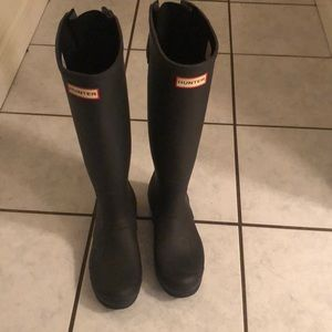 Black hunter boots women size 9